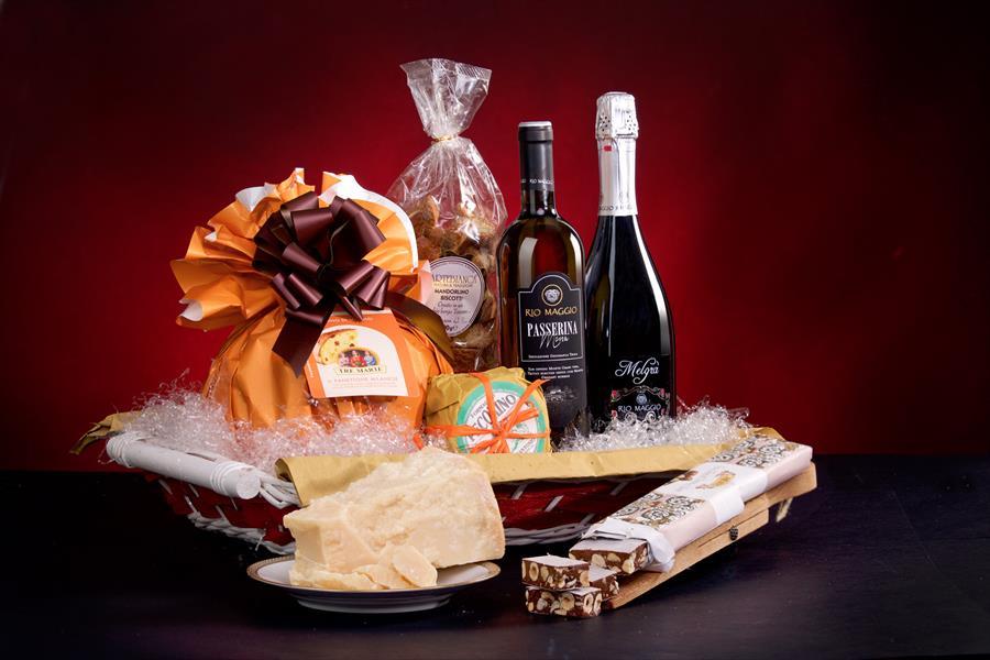 Cesto regalo Natale prodotti tipici Marche San Giuseppe